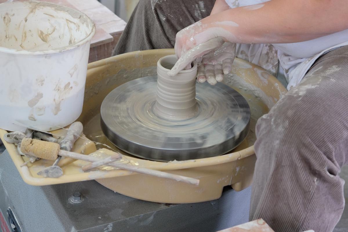 Pottendraaien Lievegem Keramika